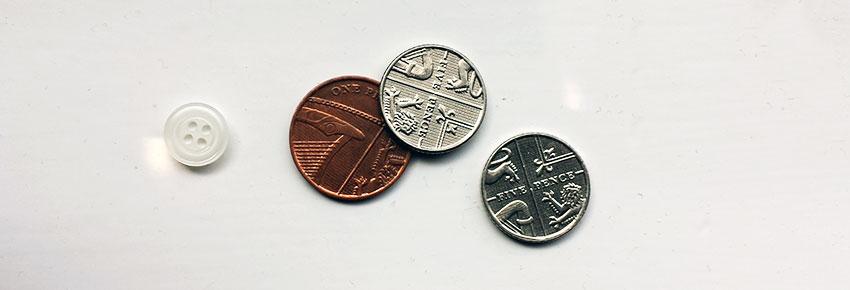 monedas en la bomba de drenaje